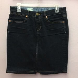 Gap dark denim skirt
